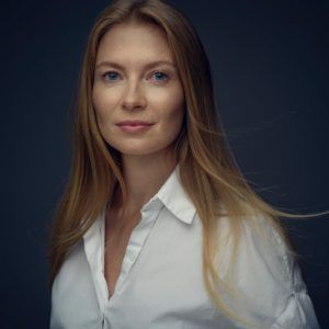 KAROLINA CHAPKO
